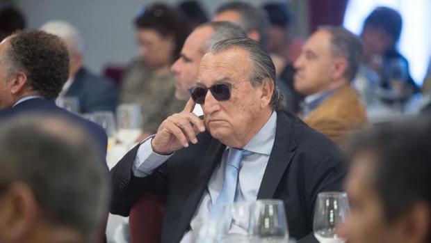 Carlos Fabra durante el desayuno informativo de la candidata del PP a la Alcaldía de Castellón
