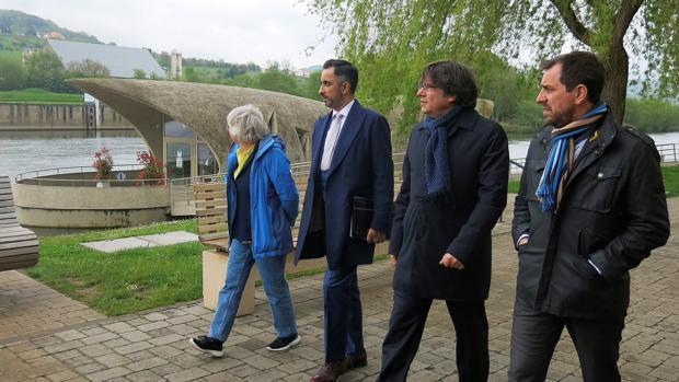 El expresidente autonómico Carles Puigdemont, de paseo en Schengen (Luxemburgo)