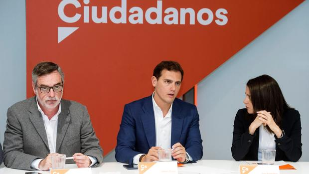 Villegas, Rivera y Arrimadas, en la reunión de la Ejecutiva de este lunes