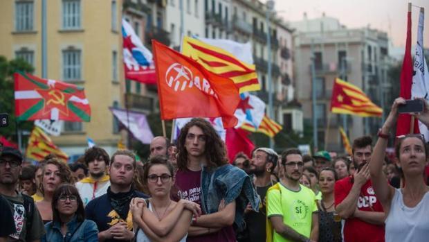 """[EFE] 15 de Enero de 2018 - Trump: """"La ley y el orden se impondrán en todo el territorio español con o sin la fuerza"""" Ytu-kOED--620x349@abc"""