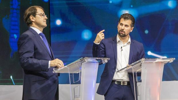 Mañueco y Tudanca, en un momento del debate electoral