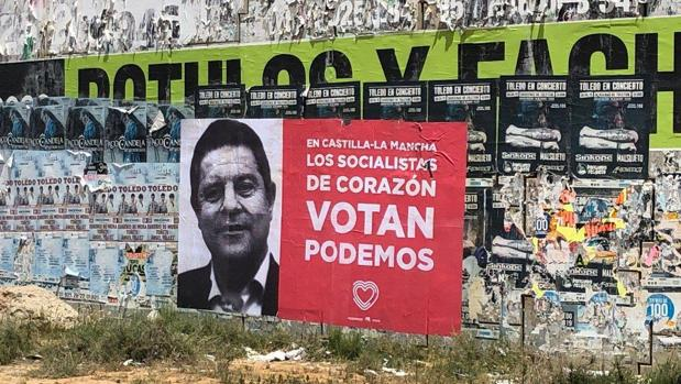 Cartel distribuido por Podemos