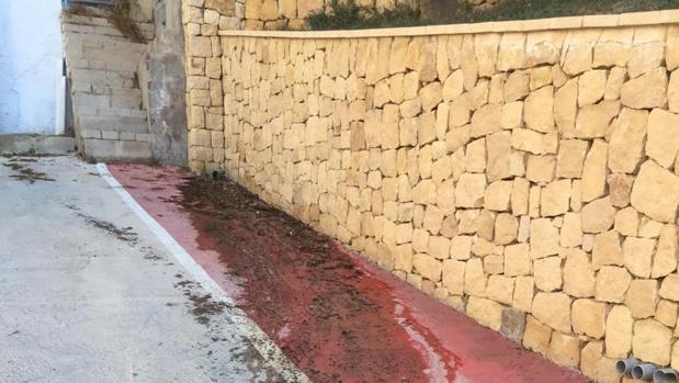 Aguas sucias en una calle de El Campello