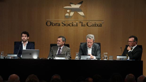 De izquierda a derecha: Ferrán Curtó, Ángel Castiñeira, Àngel Pes e Ignasi Calvera en la presentación