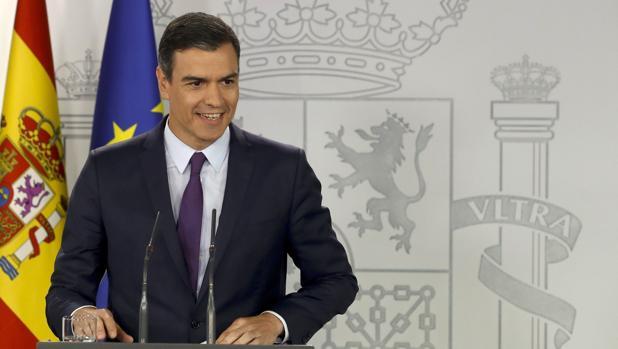 El presidente del Gobierno en funciones, Pedro Sánchez, durante la rueda de prensa de ayer en Moncloa