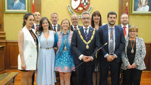 Jesús Martín junto a su equipo de Gobierno
