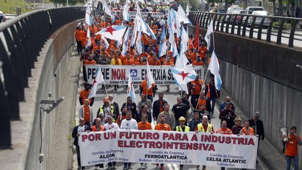 Manifestación de los trabajadores de las electrointensivas en Santiago