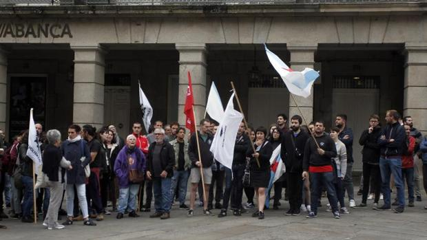 Manifestación en Santiago, el lunes, a favor de los terroristas detenidos