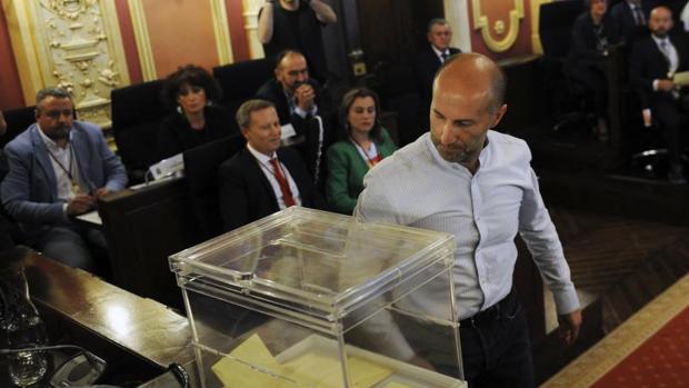 Gonzalo Pérez Jácome, durante el pleno en el que fue proclamado alcalde