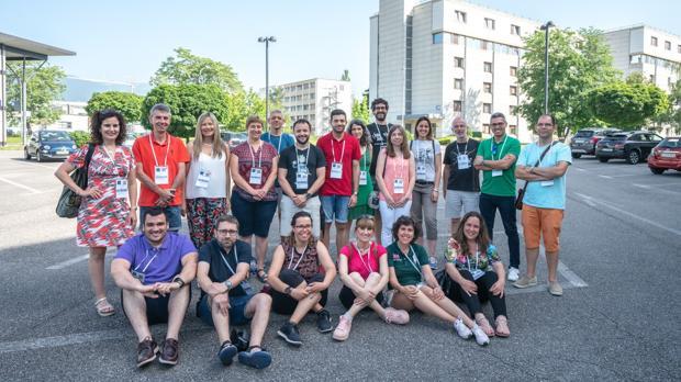 Visitantes a la sede de CERN en Ginebra (Suiza)