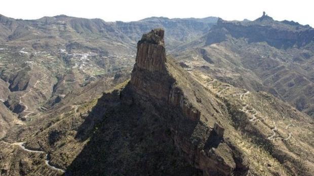 Bentayga, el epicentro ceremonial y cosmológica de la Caldera de Tejeda, en la base del Roque Nublo