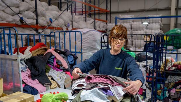 Las prendas se tratan en las plantas de preparación para su reutilización o venta