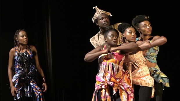 Actores de Costa de Marfil en «Fuenteovejuna, el coraje de las mujeres»