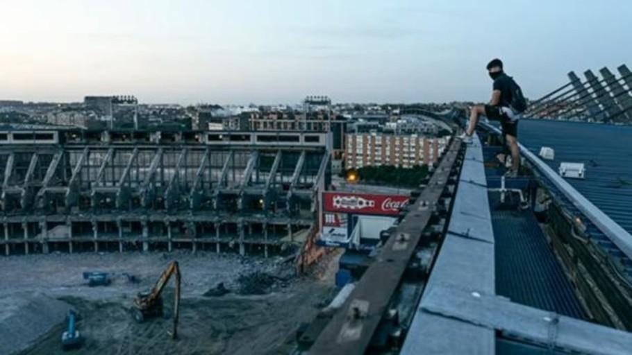 Las ruinas del Vicente Calderón: un peligroso juego para «youtubers»