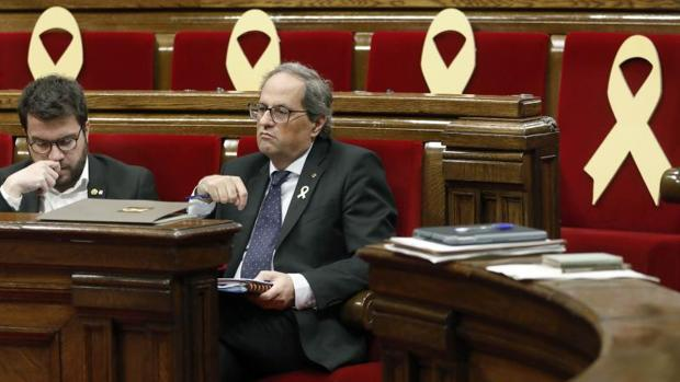 El presidente de la Generalitat, Joaquim Torra, en su escaño durante la sesión de la reprobación