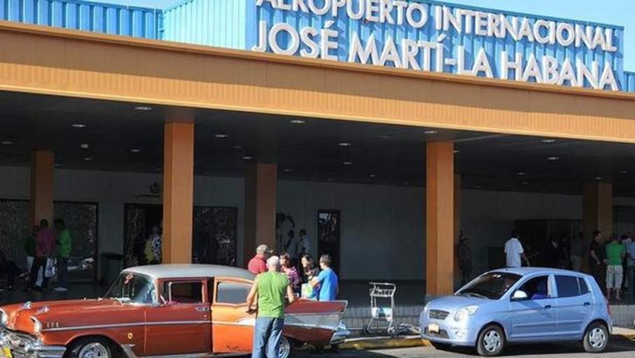 Van de vacaciones de Canarias a Cuba y se quedan sin vuelo de regreso
