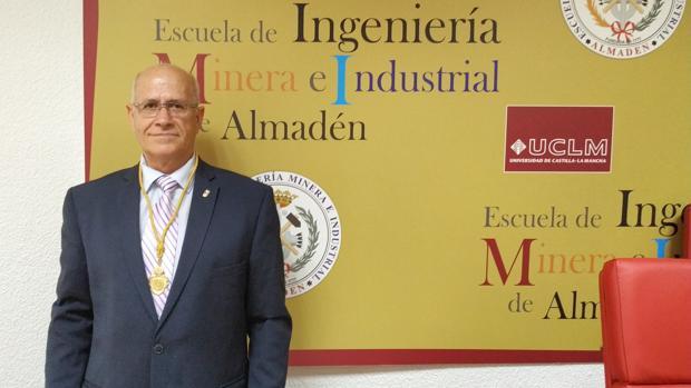 Antonio Ibáñez, el pasado martes, tras recibir el homenaje en la Escuela de Ingeniería Minera de Almadén