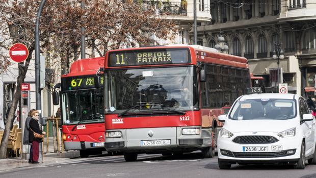 Imagen de autobuses de la EMT en Valencia