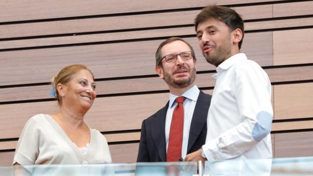 Javier Maroto, elegido senador autonómico en segunda vuelta y con el rechazo del PSOE