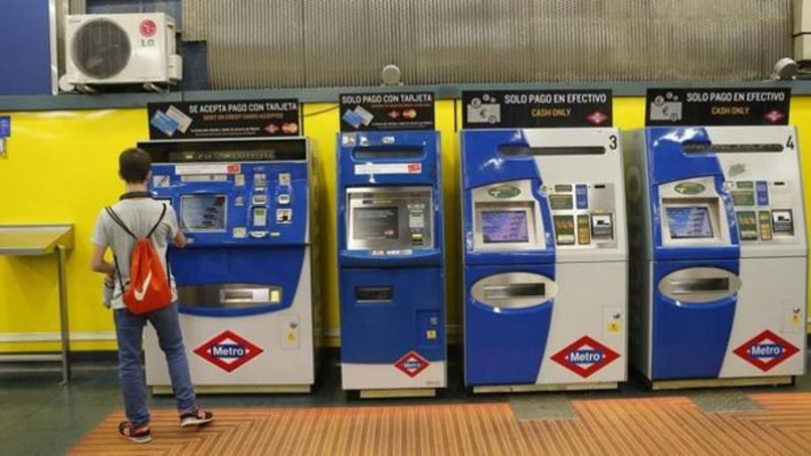 La tarjeta de transporte público en Madrid podrá recargarse con el móvil antes de que acabe el año