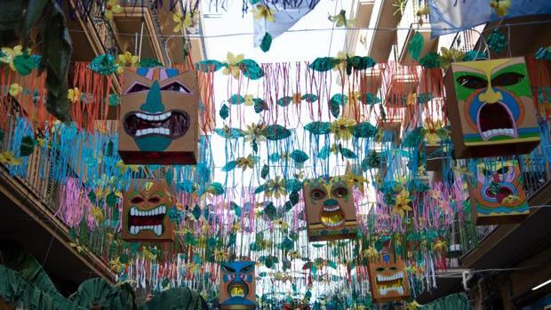 Una calle decorada, en las fiestas del año pasado