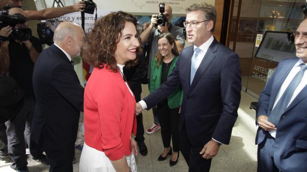 La ministra Montero y el presidente Feijóo