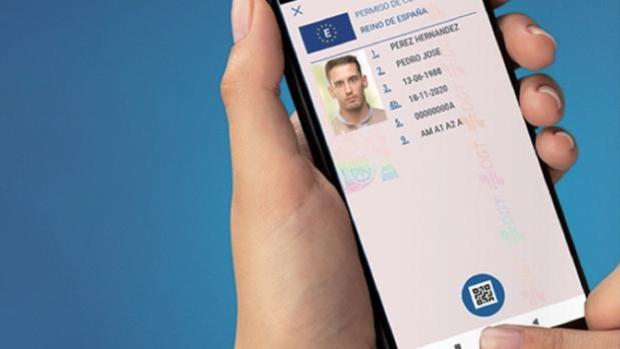 La DGT trabaja en una app para poder llevar el carné de conducir en el móvil