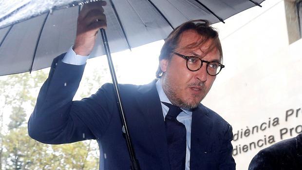 El presidente del Levante UD Quico Catalán, entrando a los juzgados