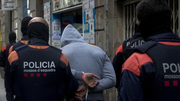 Agentes de los Mossos d'Esquadra en una imagen de archivo