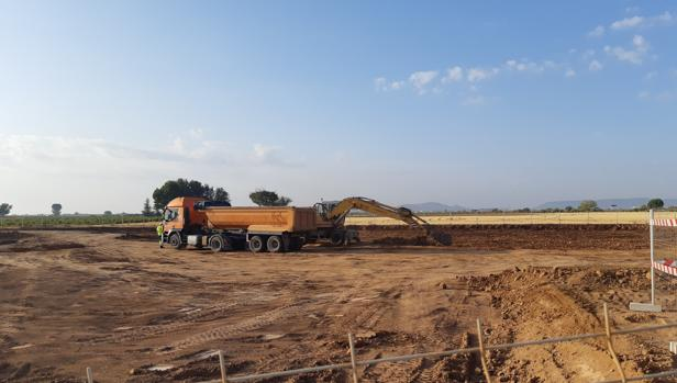 Los trabajos que se están desarrollando en la actualidad son de movimiento de tierras