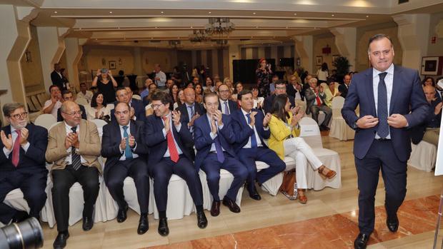 Aparici, Igea, Amor, Mañueco, Barrios y Carriedo, ayer durante la Asamblea de ATA en Valladolid