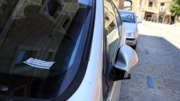 Vehículos estacionados en la Zona Azul
