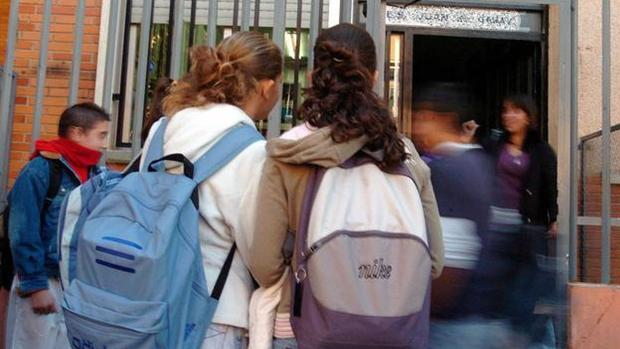 Alumnos en una imagen de archivo