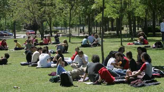 Estudiantes en el campus de la UAM