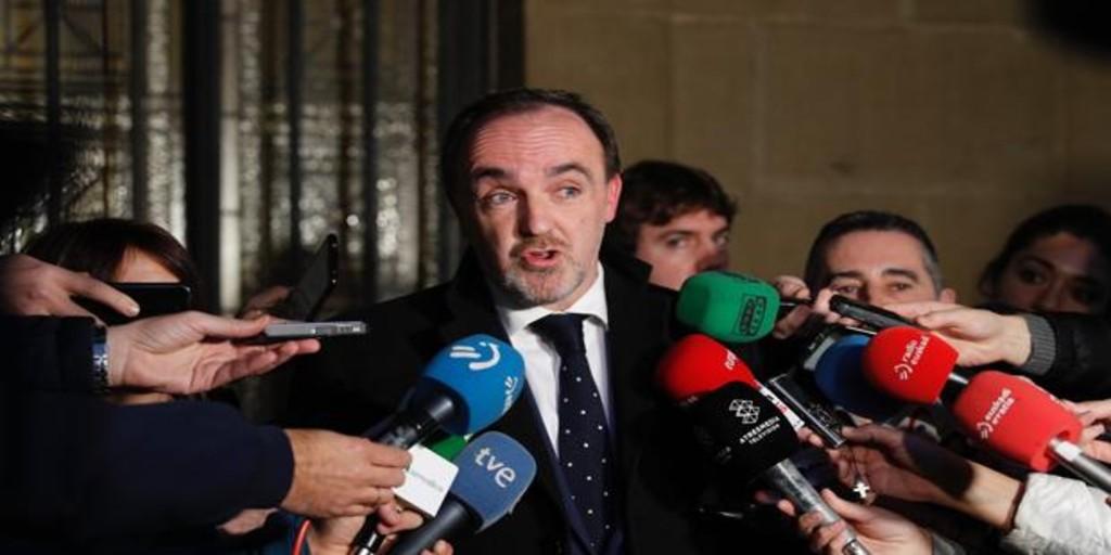 Esparza exige retirar la mención a Navarra en el Estatuto Vasco