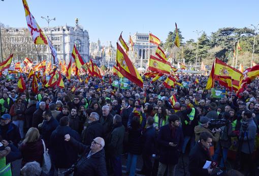 Concentración de Vox en la plaza de Cibeles, en Madrid, este domingo