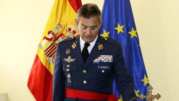 El general Miguel Ángel Villarroya, en su toma de posesión como director de gabinete de la entonces ministra Cospedal