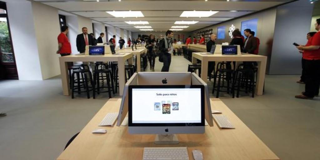 Valencia fase 2: Apple reabre su tienda en Colón con control de temperatura y aforo limitado