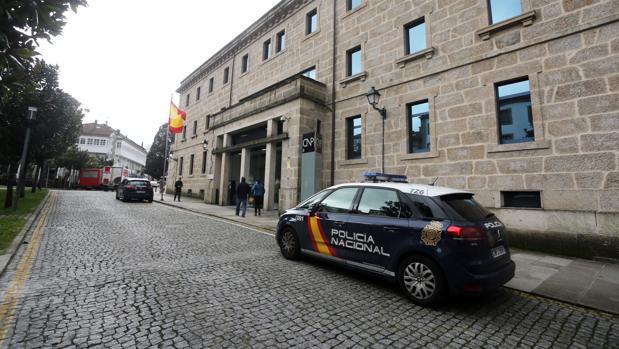 Un policía gallego logra una reducción del 99% de jornada para cuidar a su hija