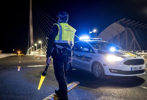 Image of a night curfew control in Valencia