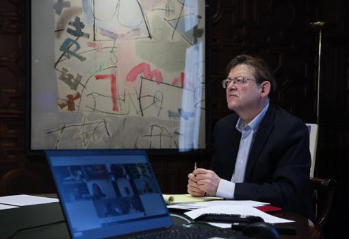 Imagen del presidente de la Generalitat, Ximo Puig, en la reunión con Sanidad