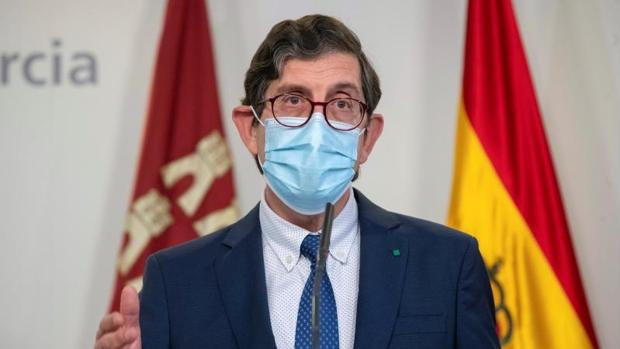 La Fiscalía de Murcia abre diligencias sobre la vacunación de altos cargos saltándose el protocolo