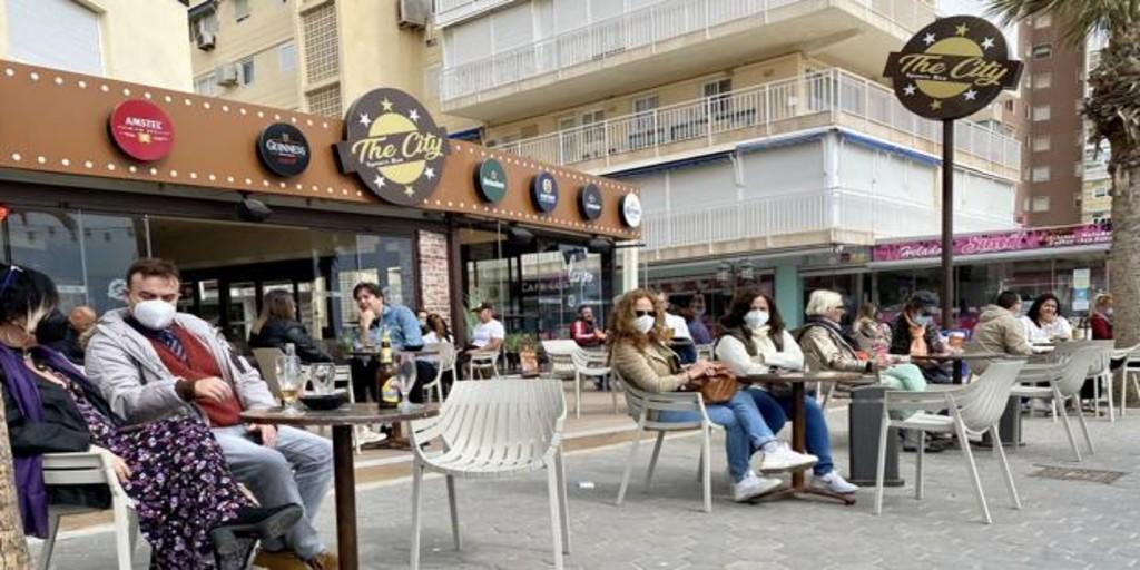 Los contagios de coronavirus se desploman en un mes en los principales municipios valencianos