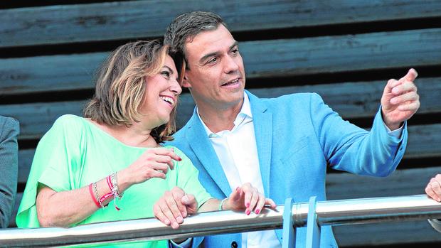 Susana Díaz junto a Pedro Sánchez