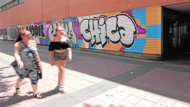 Almeida incrementará las multas por grafitis y por dejar excrementos caninos en la calle