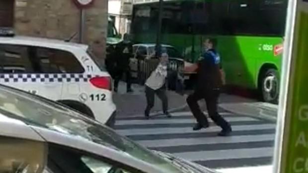 Detenida Noelia de Mingo por apuñalar a dos mujeres en un supermercado y una farmacia de El Molar