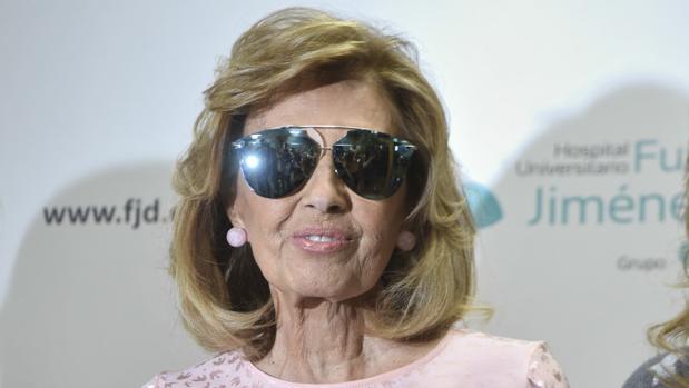 María Teresa Campos, a la salida del hospital