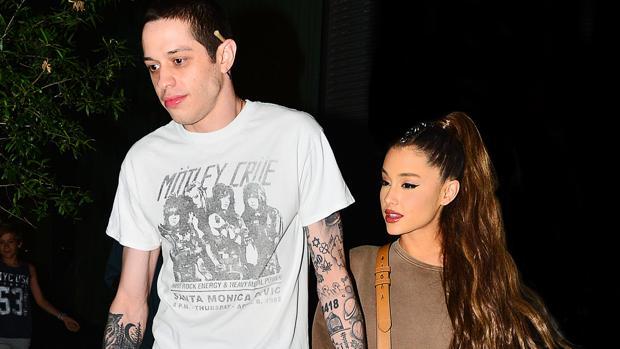 Peter Davidson y Ariana Grande