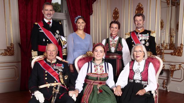 El Rey Harald, el Rey Felipe, Victoria de Suecia, Ingrid Alexandra, Marta Luisa de Noruega, Marit Tjessem y Federico de Dinamarca
