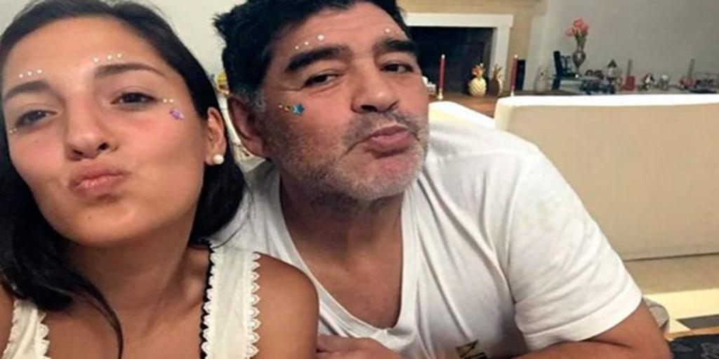 Jana Maradona, la hija extraoficial del «Pelusa»que quiere triunfar como modelo «curvy»